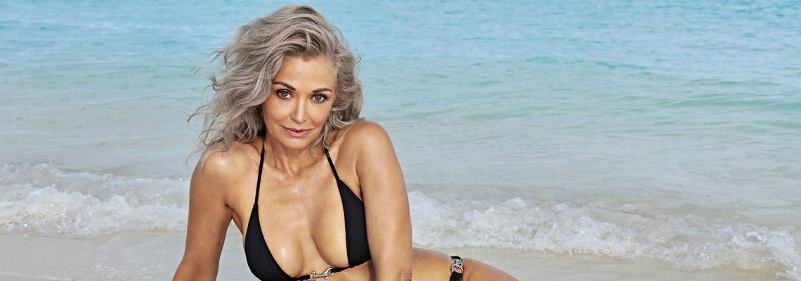 We Love: 57-годишна красавица в сесия за Sports Illustrated