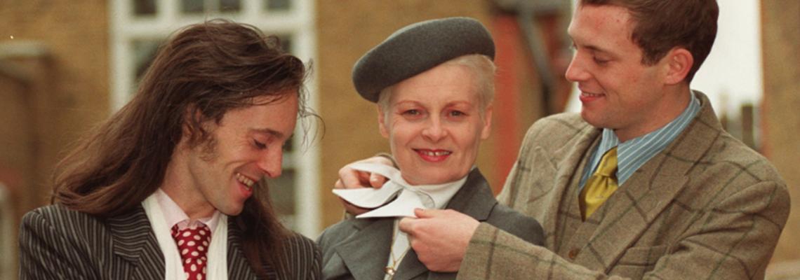 Малките големи модни истории: Двата пъти, в които Вивиан Уестууд скандализира кралица Елизабет, #nounderwear