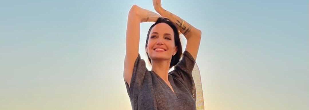 Във Венеция, на покрив: Анджелина Джоли с импровизирана фотосесия