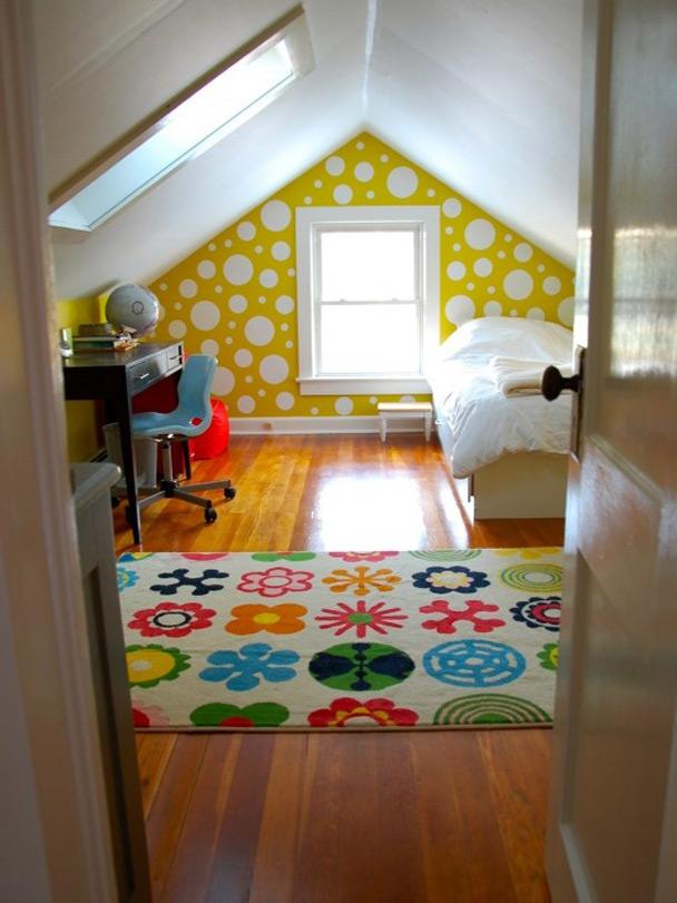 Детская комната в мансарде фото