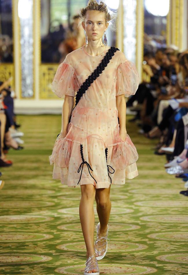 Модный тренд: рукава с буфами