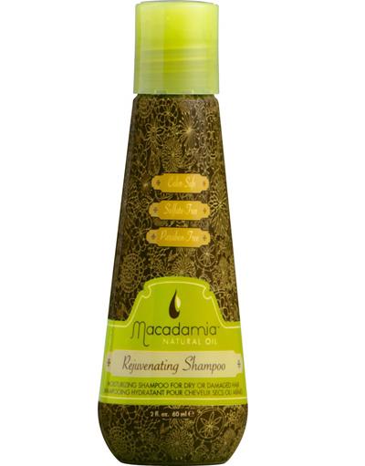 ШампоанътMacadamia RejuvenatingНяма сулфати и парабени, а почиства толкова нежно химически третираната и изтощена коса. Прониквайки дълбоко в структурата на косъма, шампоанът действа отвътре навън и следва стриктно пътят на промяната и прави косата красива и копринена, каквато винаги сме я искали.Препоръчителна цена: 17.90 лв. за 300 мл.Виж още за продукта тук
