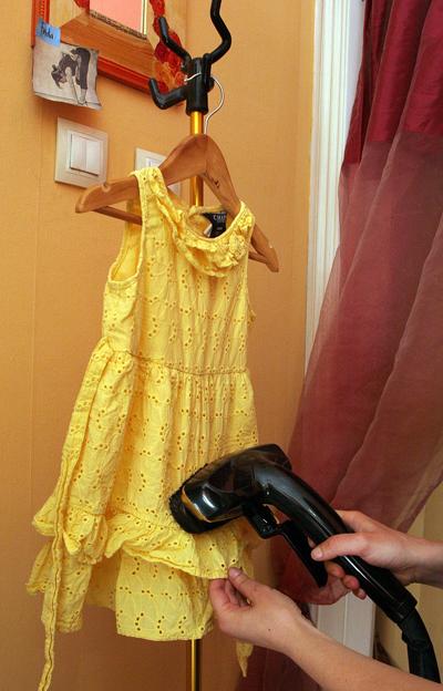 Детска рокля в ярък жълт цвят, 16 лв.Магазин Niño
