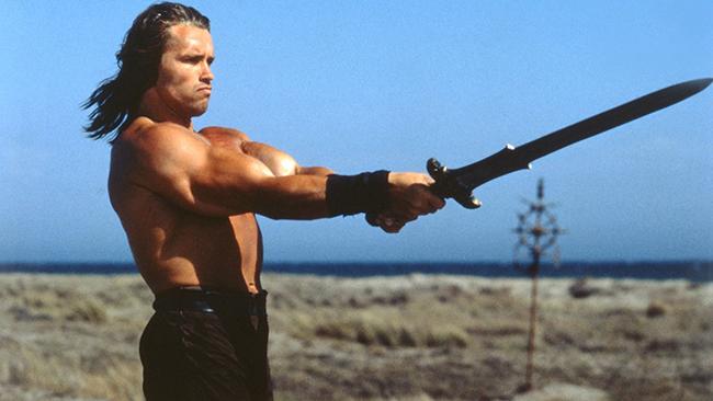 Арнолд Шварценегер Ако във филмите Conan, Terminator и Dutch чичо Арни не е достатъчно здрав, припомнете си го в ролята на Бен Ричардс в The Running Man през 1987г. - оцелява в най-зловещото game-шоу на всички времена!