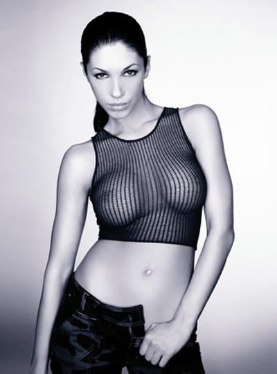 Биляна ЙотовскаМис дупе 2009, еротична танцьорка и модел, Биляна не смята да излиза отклишето - силиконе равно на провокация.