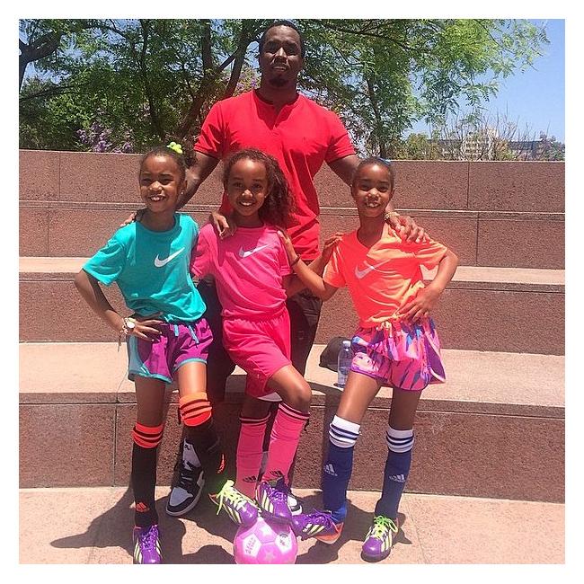 Пи Диди, близначките Джеси и Д Лила и полусестра им Чанс