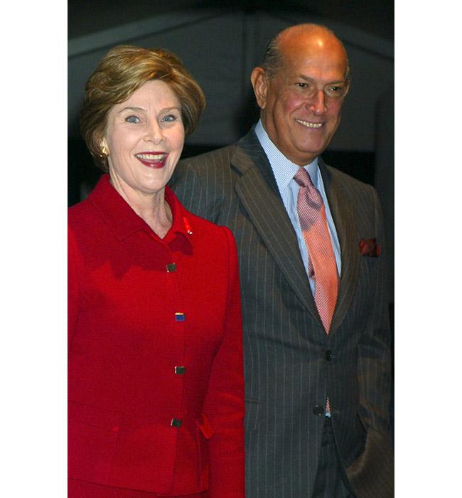 Лора Буш и Оскар де ла Рента, 2004