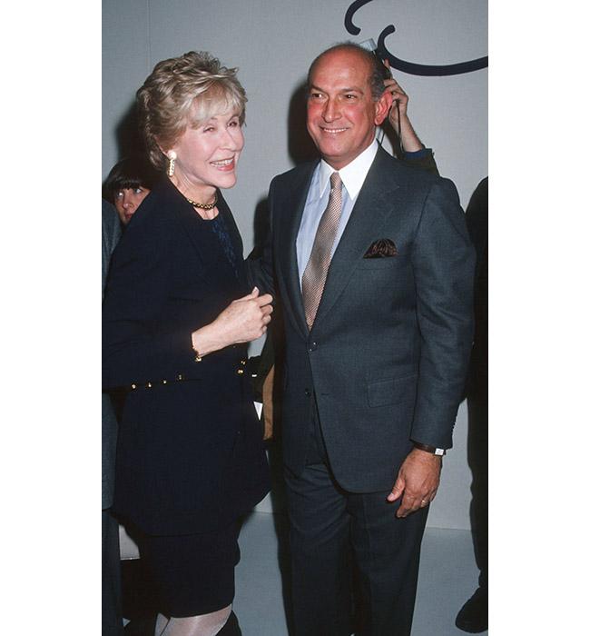 Бетси Блумингдейл и Оскар де ла Рента, 1994