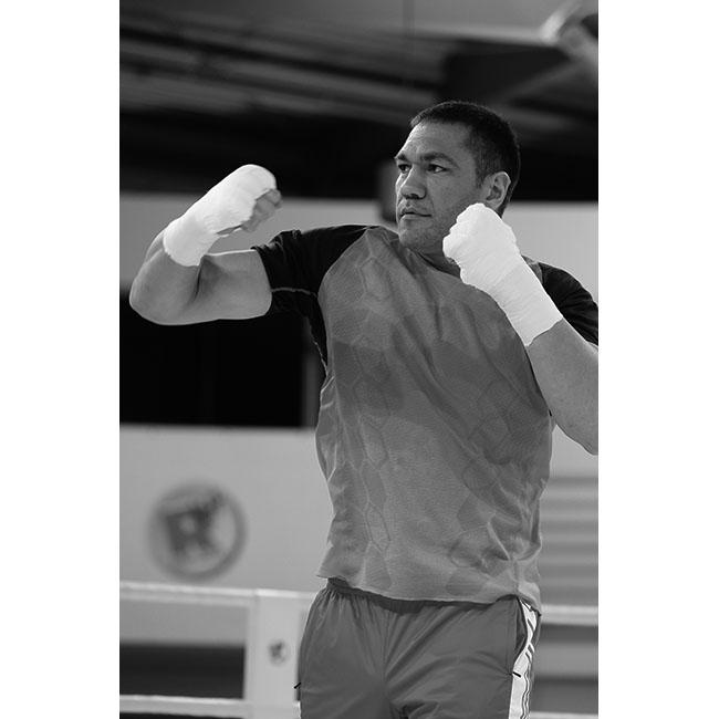 Кубрат ПулевЕдва ли съществува човек в България, който да не се гордее с постиженията на Кобрата. Шампион тежка категория, Пулев е световно известен боксьор с цели 20 победи в професионалната си кариера. А да не забравяме и мъжествеността му, която покорява хиляди женски сърца.