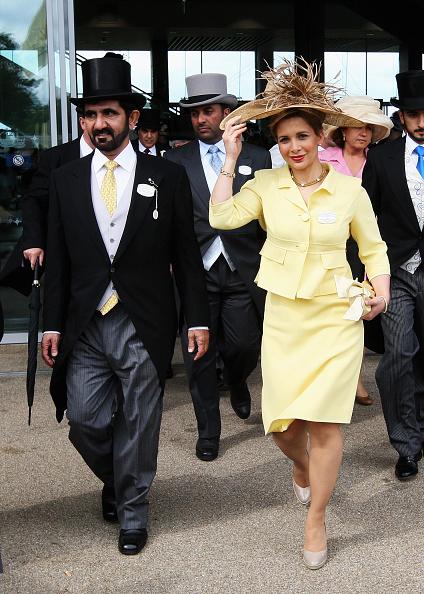 Принцеса Хая Бинт ал-Хюсеин и шейх Мохамед ал Мактум Една от най-емблематичните раздели на годината се вписва в развитието на трогателната приказка на принцесата, избягала от Дубай - шестата съпруга на дубайския шейх е и третата жена в семейството, която бяга от неговата опека.