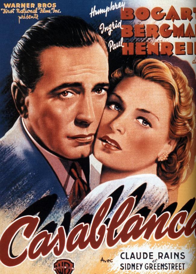 Casablanca, 1942 Втората Световна война. Европа е в пламъци. Нацистките танкове и ботуши газят наред. Единственото спасение е бягство към Америка, което обаче минава през перлата на Френско Мароко – Казабланка и... нощния клуб на Рик Блейн – американски изгнаник. Неговото колоритно съжителство с шефа на полицията, капитан Рено, внезапно е прекъснато от гестаповците, тъй като на африкано-френска земя се намира един от водачите на Европейската съпротива – Виктор Лазло, който пътува с красивата си съпруга – Илза Лунд. Оказва се, че тя е голямата парижка любов на Рик, която навремето го е зарязала в последния момент...Рик Блейн е човек, който не помни снощи, защото е твърде отдавна и не прави планове за довечера, защото е твърде далече...