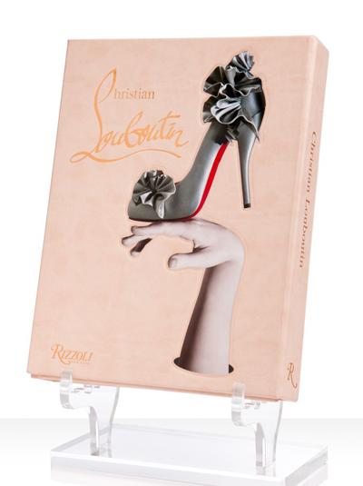 Christian LouboutinАлбум с великолепни скици и модели на изящния