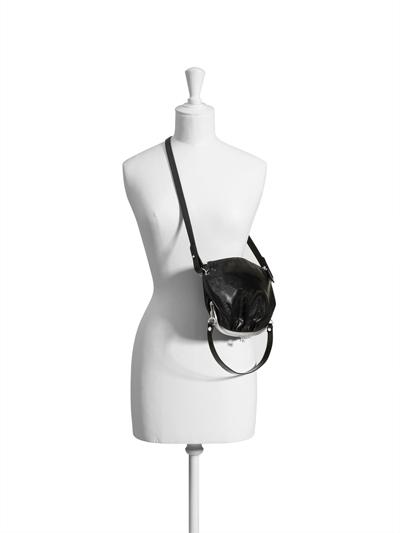 Малка чанта, тип портмоне, 129 долара