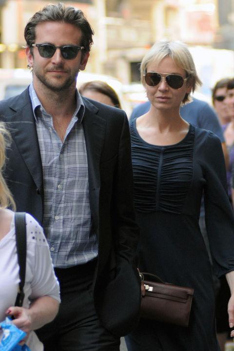 Брадли Купър и Рене Зелуегър Екс двойката се запознава през 2006 година на снимачната площадка на трилъра Case 39. Връзката им трае цели пет години преди през март 2011-та да се разделят.