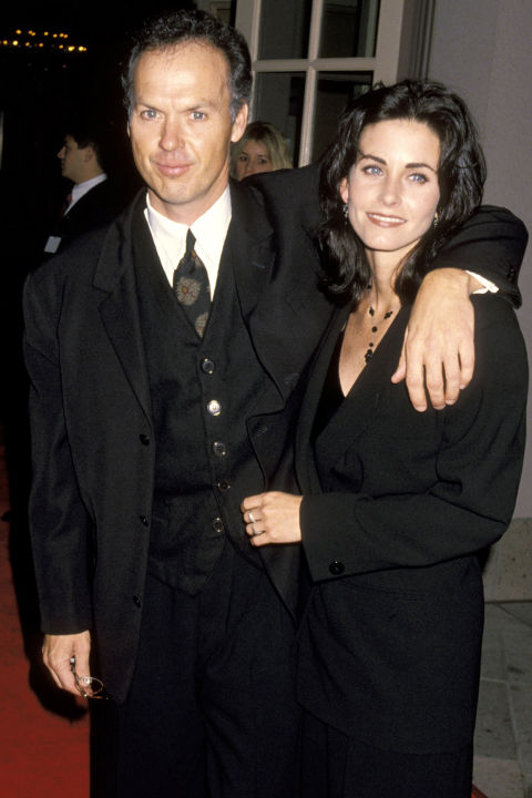 Майкъл Кийтън и Кортни Кокс Колегите се срещат цели шест години преди през 1995-та да решат, че не могат повече да са заедно.
