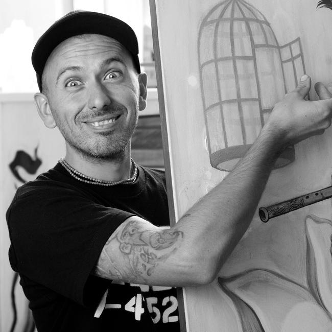 NASIMO  NASIMO или Станислав Трифонов трудно може да бъде поставен в рамки. Спокойно можем да твърдим, че е най-добрият графити артист в България. Графитите му са шедьоври и красят много сгради в София.