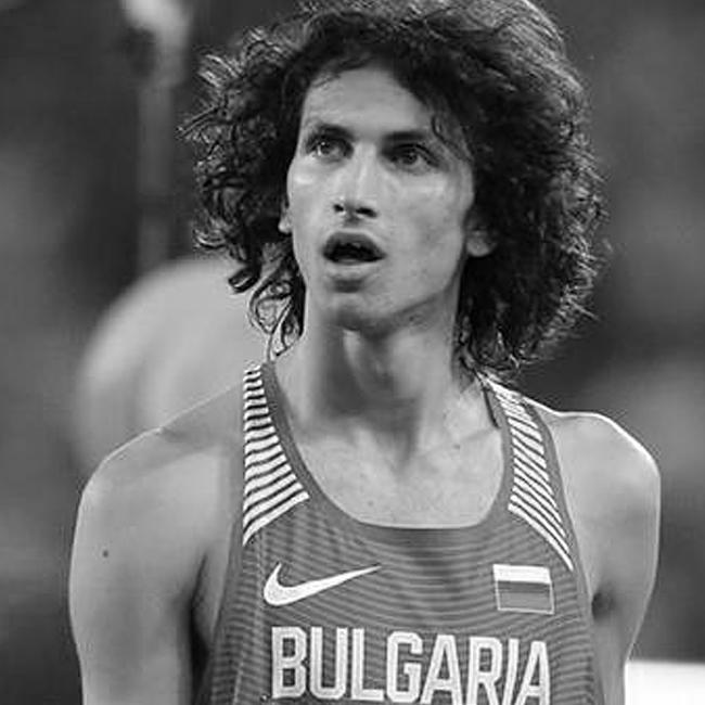 Тихомир Иванов  Тихомир е на 22 години, родом от Плевен. Той се класира на 10-о място на скок височина при дебюта му на олимпийски игри това лято. Нашият атлет покори летва на 229см., което го прави най-добрият български атлет на олимпийски игри в тази дисциплина. Това е и най-доброто българско представяне в атлетиката от игрите през 2004 г.