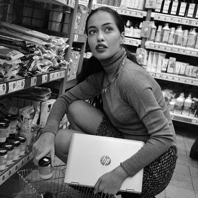 Деница Дойкова  Тя е едно от новите лица на Ivet Fashion MA и момиче, което обожаваме да снимаме, припомняме ти я тук и тук. Точно 2016 бе нейният тласък по пътя нагоре, а с рядката екзотична красота и неоспорим магнетизъм, Деница е от очарователните млади лица на България, които трябва да бъдат показвани повече!
