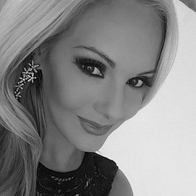 Ралица Иванова 31-годишната варненка е професионален модел. Кариерата й започва през 2006г. в САЩ , където започва работа като фото модел за местна модна агенция. В последствие се снима и за кориците на няколко големи списания като MAXIM, Playboy, Penthpouse и Esquire. През 2010 г. влезе в класацията за стоте най-сексапилни жени на планетата.