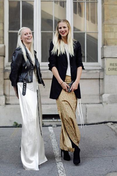 Прекрасни издължени силуети, образувани от поли до земята, коси до кръста и високи до небето токове на обувките.Fashionmagazine.com