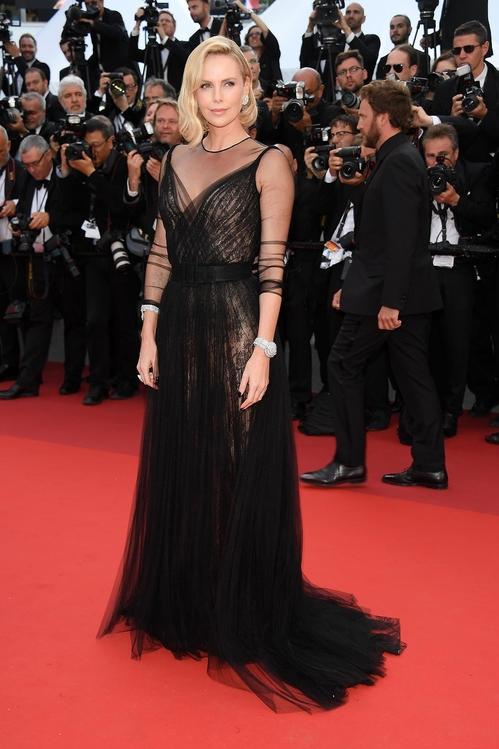 Чарлийз Терон в Dior Spring/Summer 2017 haute couture