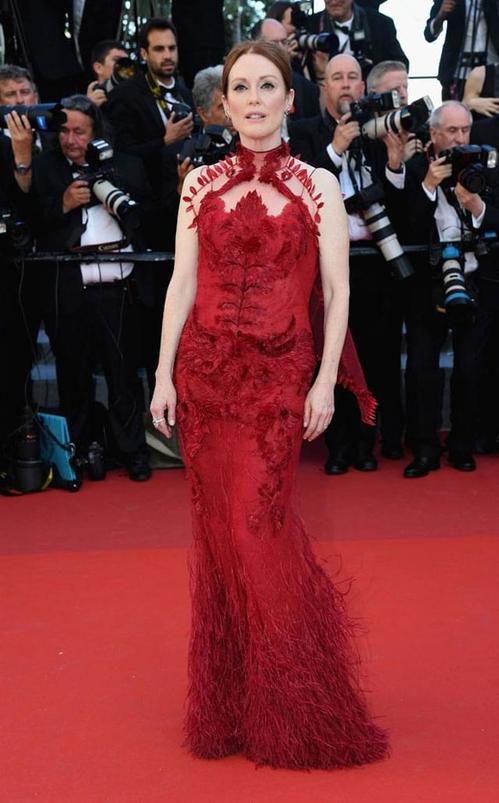 Джулиан Мур в Givenchy