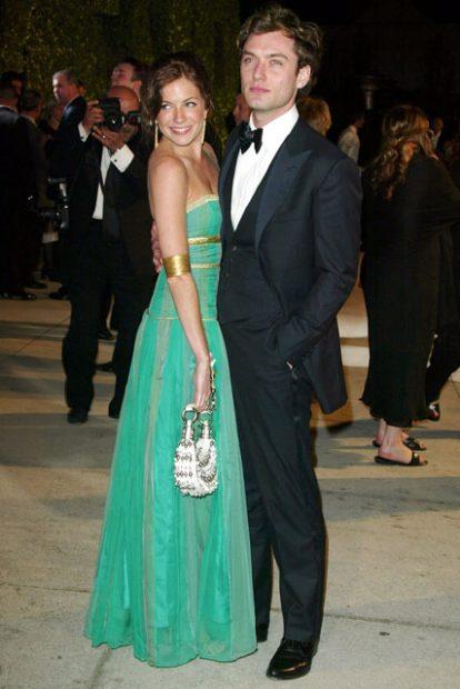 Сиена Милър и Джъд Лоу, когато все още бяха влюбени и щастливи.