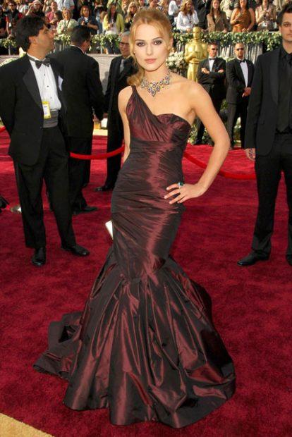 Отново рокля на Vera Wang, този път носена от Кийра Найтли - годината е същата - 2006-та.