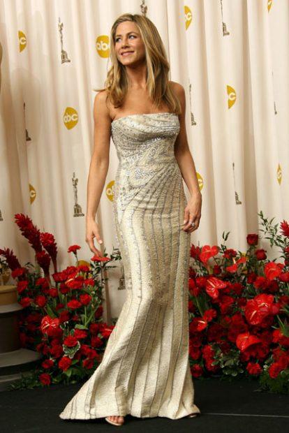 Златното Valentino на Дженифър Анистън.