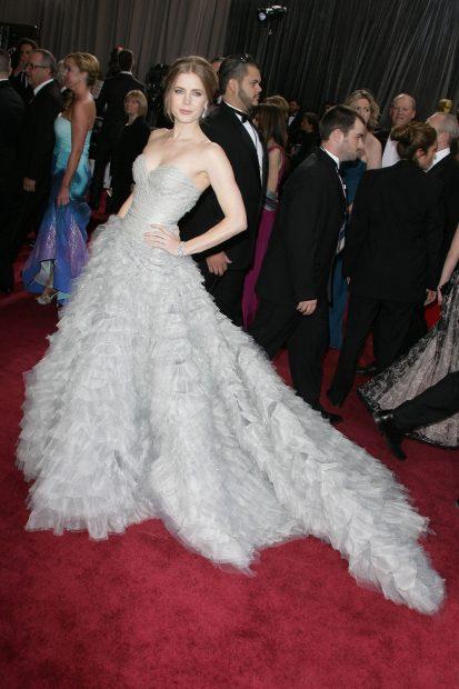 Ах, тази Oscar De La Renta рокля, която Ейми Адамс ни показа преди пет години.