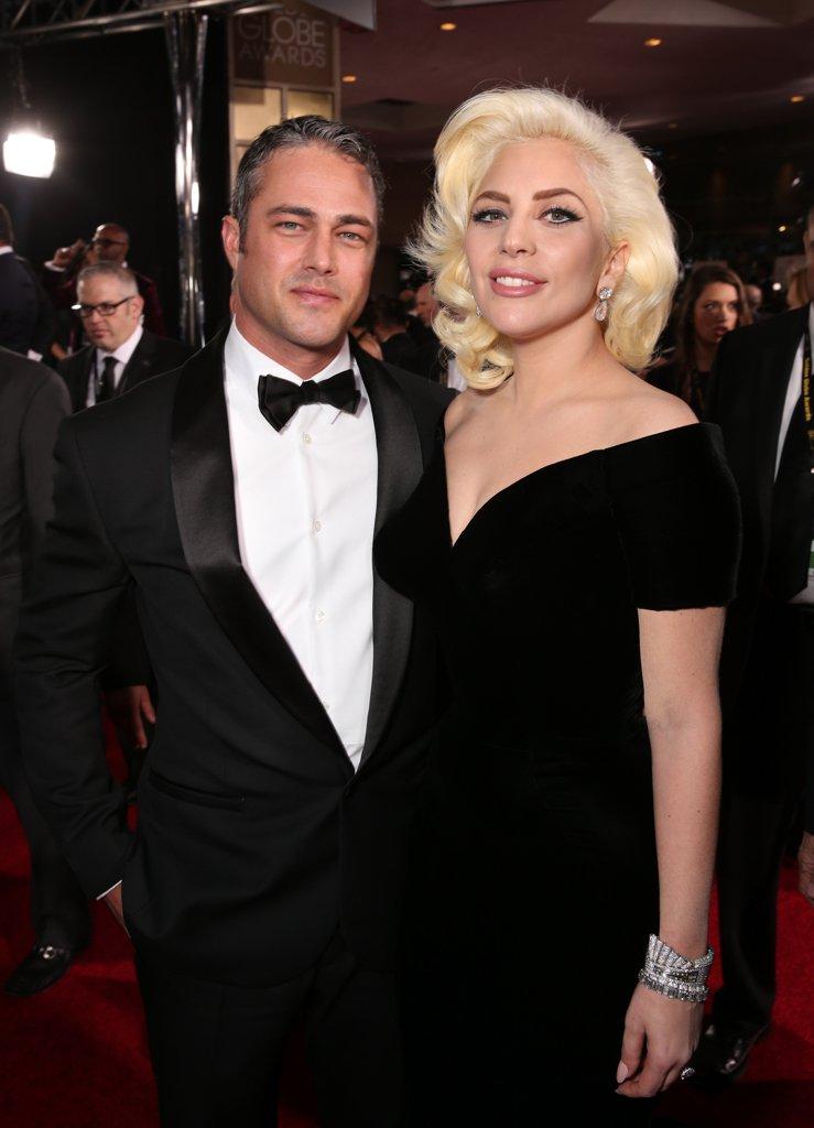 Лейди Гага и Тейлър Кини След близо 4 години заедно Гага и сексапилният Тейлър отмениха годежа си в средата на това лято. Двойката се срещна по време на снимките на видео клипа към песента на Лейди Гага - You and I.