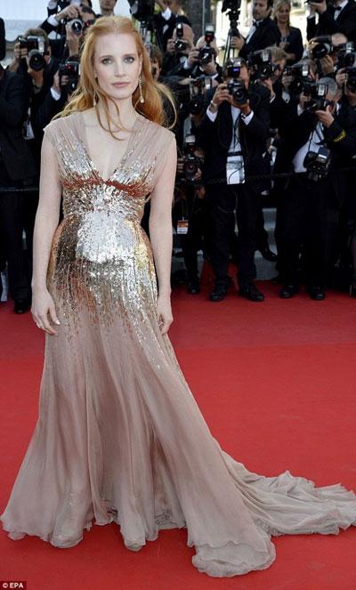 Джесика Честейн в блестяща рокля Gucci
