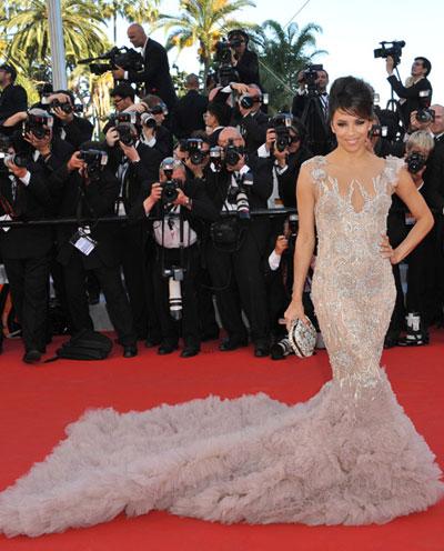Ева Лонгория зашемети всички със своята рокля, а тя бе творение отново на Marchesa