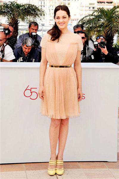 Марион Котийяр беше избрала рокля на Christian Dior