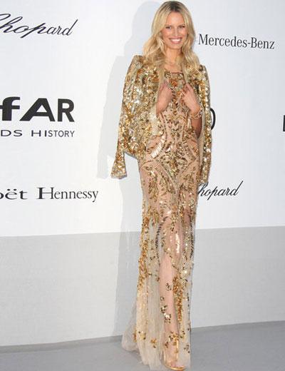 Каролина Куркова в рокля на Roberto Cavalli