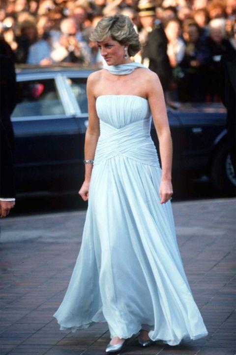 1987 Принцеса Даяна в Catherine Walker