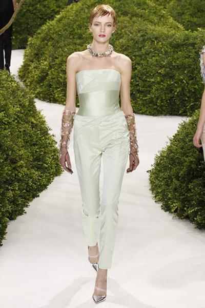 Тайната градина на Christian Dior по време на Paris Haute ...