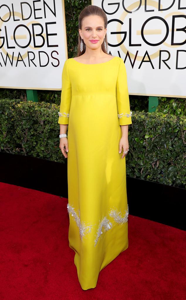 Натали Портман определено е една от най-стилните звезди на червения килим и винаги се е справяла чудесно, но не и сега! Нищо, че носи етикет на Prada, роклята й се оказа доста неподходяща!