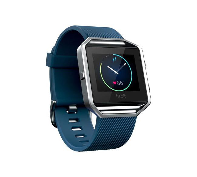 И този часовник на Fitbit, за да е в час нашето момче, докато спортува. 369лв. nordstrom.com