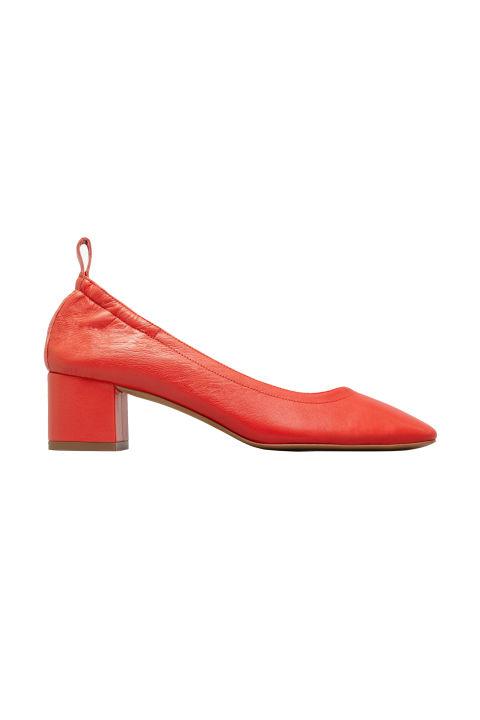 Обувки с дневен ток Everlane 266 лв.