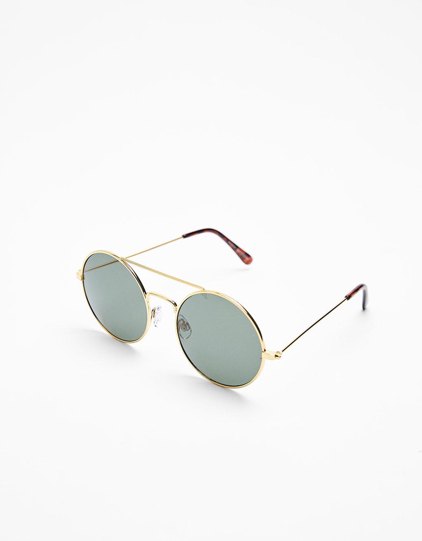 Очила Bershka; от 19,95лв. на 5,99лв.