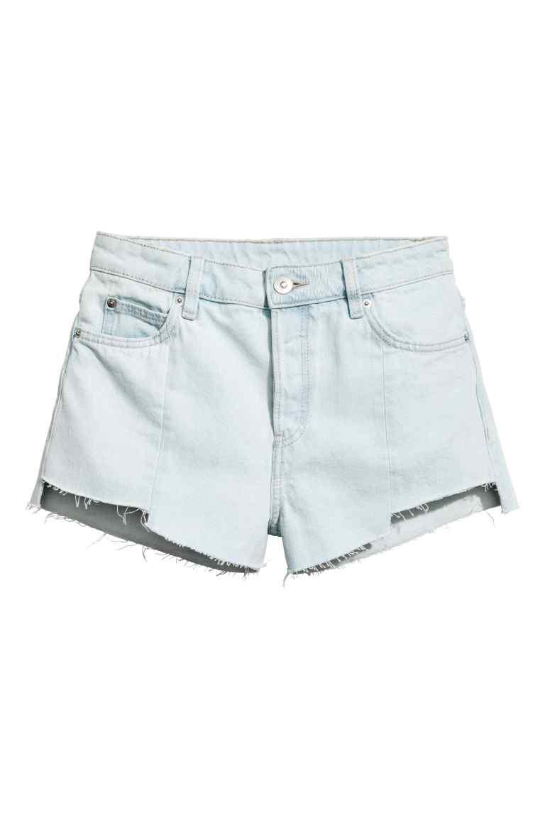 Къс панталон H&M; от 44,99лв. на 21,99лв.