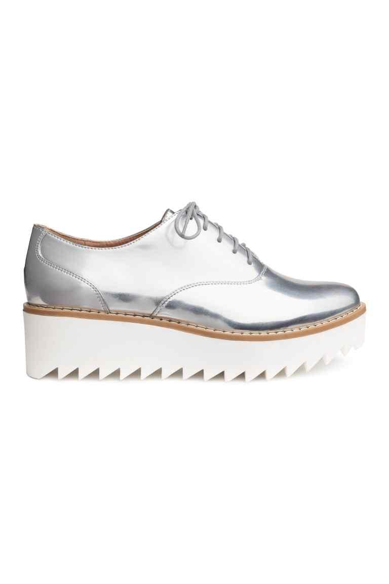 Обувки на платформа H&M; от 64,99лв. на 38,99лв.