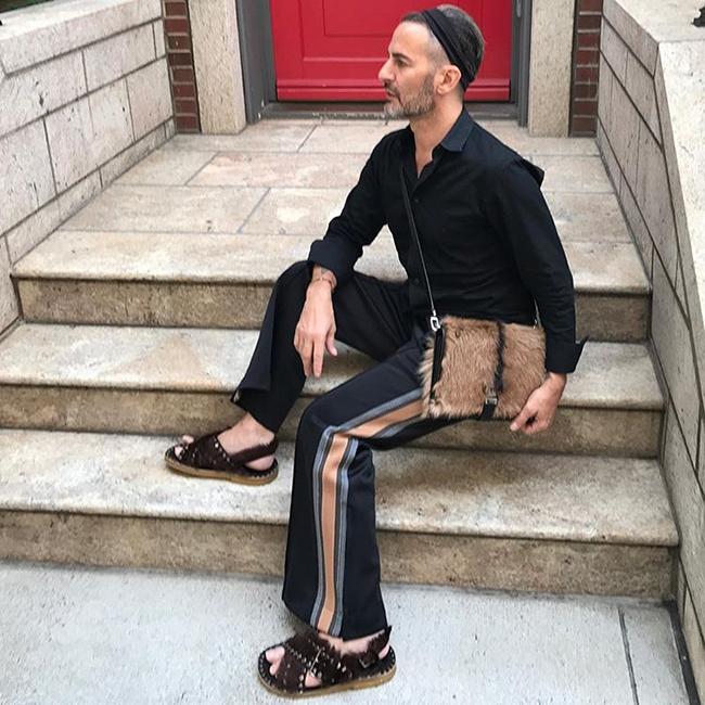 Марк не спира да ни дава fashion inspiration дори и през ваканцията си