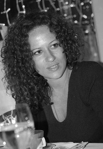 Белослава Изящна, женствена, убийствено секси. Емблематична българска хубостСн. ViewSofia