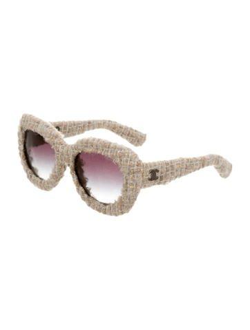 Слънчеви очила Chanel 1946 лв.