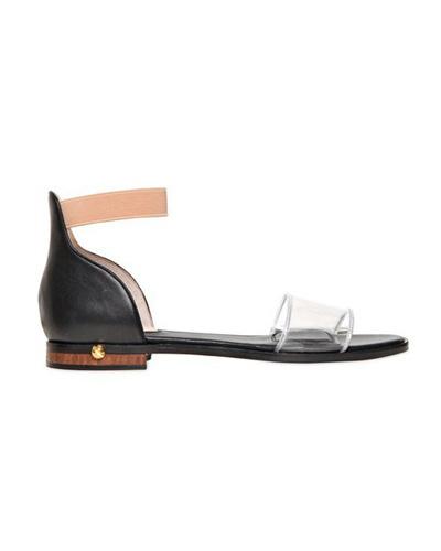 Вечният нисък сандалС прозрчна предна част, на ниска подметка с едва изразен квадратен ток и много модерната каишка около глезена.Givenchy470 евроluisaviaroma.com