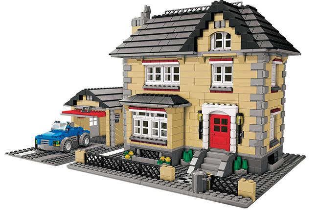 Лего. Една дума, а от нея децата могат да създадат приказни замъци, роботи, коли и още куп неща. hippoland.net