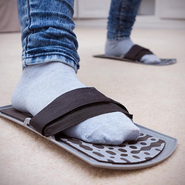 Чехли за пързаляне по килим. Е, това ако не е забавление вече! 17лв. prezzybox.com