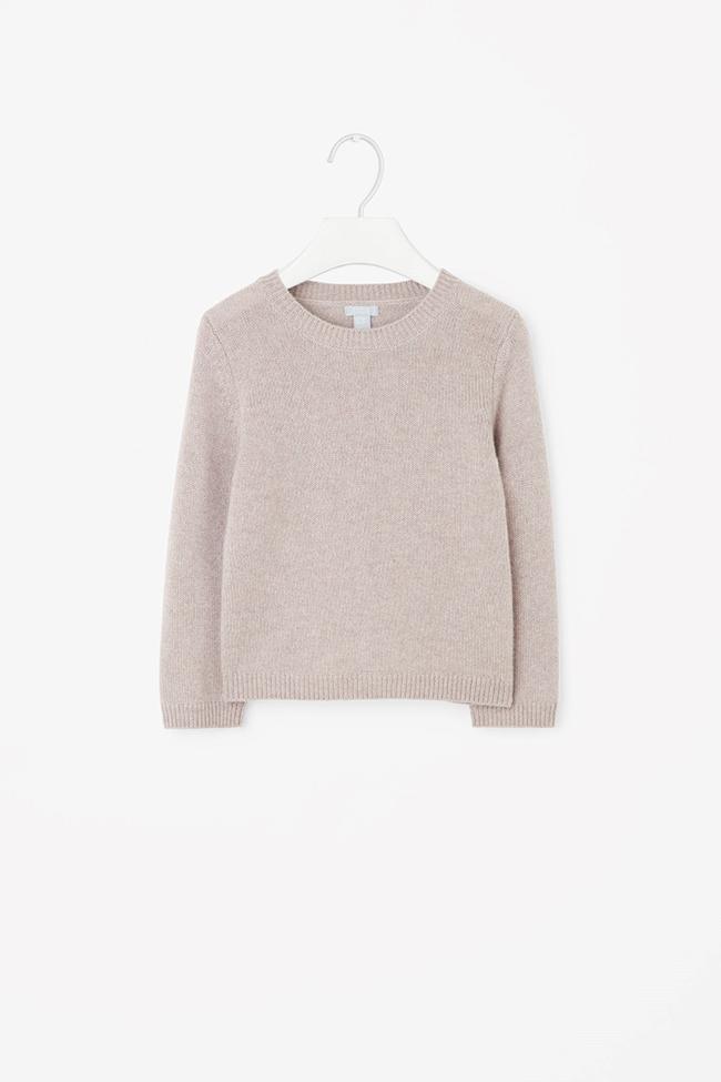 Кашмирен пуловер Cos. Толкова е хубав, че си мечтаем да има и за нас един. 115лв. cosstores.com